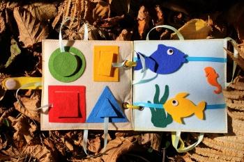 ksiazeczka-sensoryczna-zabawkator-5