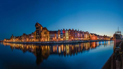Morze, nasze morze i miasto Gdańsk.