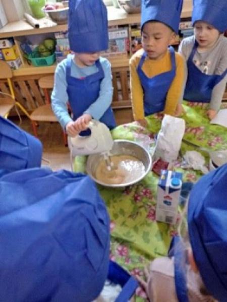 W przedszkolu jest słodko, bo pachnie szarlotką